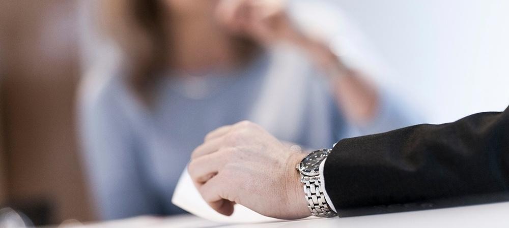 Er det nødvendigt at tale med vores medarbejdere?